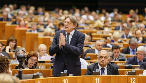 EP-038833C_Extroaordinarey_Plenary_Hemicycle